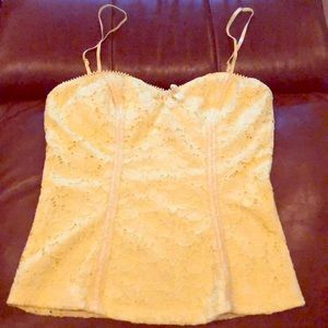 M women's yellow XOXO floral lace tank top